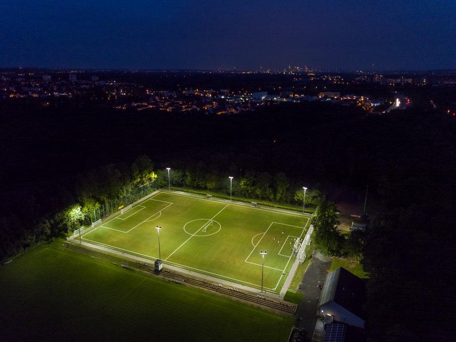 flutlicht led sportplatzbeleuchtung
